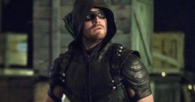 Vídeo do último episódio de Arrow mostra legado do Arqueiro Verde no Arrowverse!